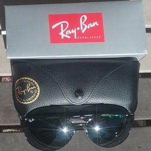 Brand New All Black RayBan Aviators RB3386